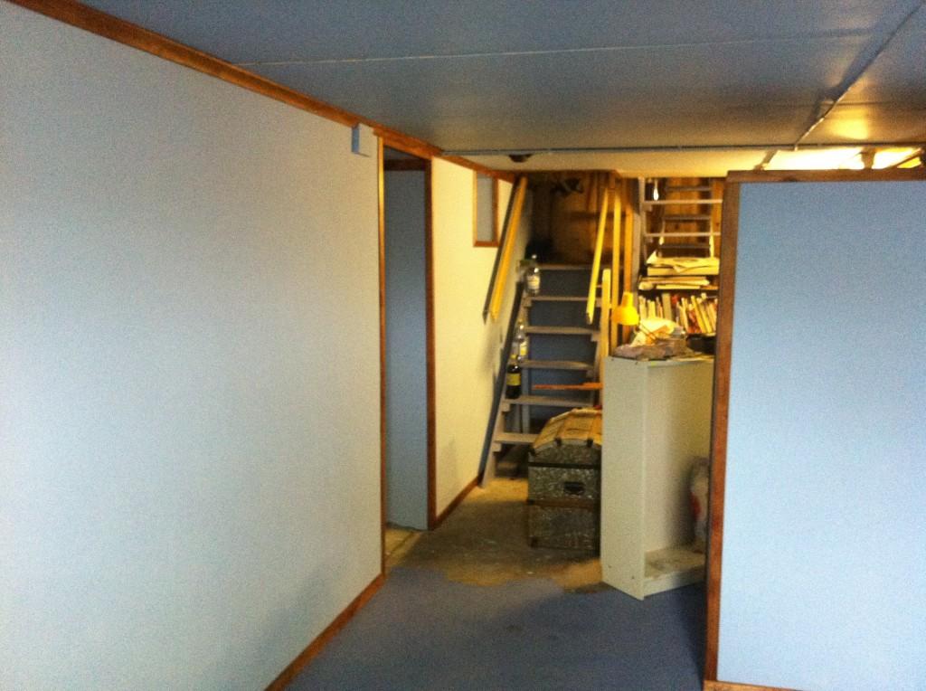 Inklädnad av källare (1)